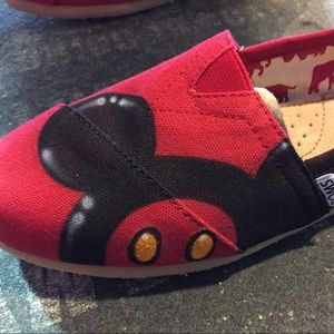 7b55c0e1630 Toms Shoes - Custom Airbrush Disney Toms Mickey Minnie Mouse